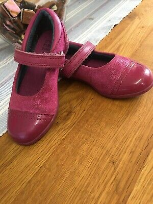 Girls Clarks Shoes. Size 5.5 E. Pink Leather Sparkly In Good Condition.