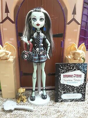 Monster High - Wave 1 - Frankie Stein Doll with Pet