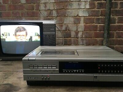 ViNtage Sanyo Betacord Betamax Video Player/Recorder VTC 5000 Used/Working Retro