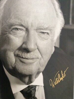 Walter Cronkite Signed Photo Journalist/Newscaster 8x10
