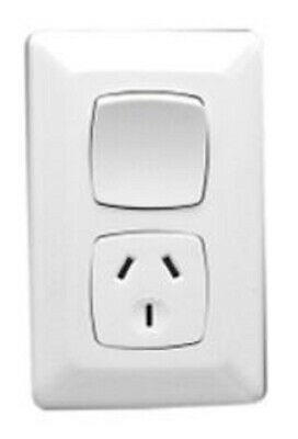 Clipsal PRESTIGE P2000 SINGLE SWITCHED POWER OUTLET 250V 10A 3Pin Vertical WHITE