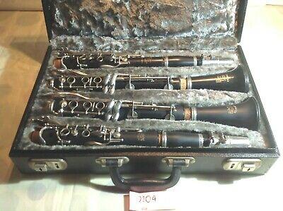 Pr of B & H Edgware clarinets (A & Bb) in double case - Prof. serviced (104)