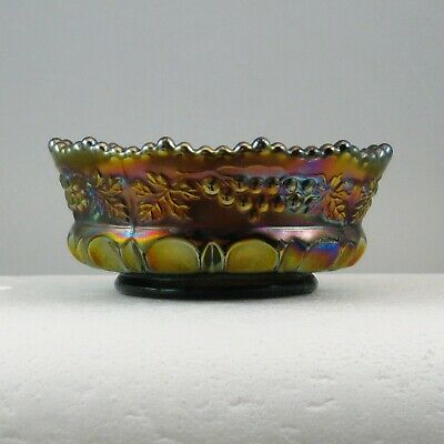 """Northwood Amethyst Grape & Cable Thumbprint Carnival Glass 5"""" Berry Bowl Bw0176E"""