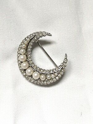 SC7975 4 Crescent Moon Charms Antique Silver Tone Connector or Dangle Charm