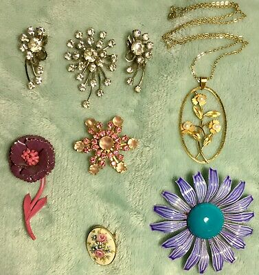 Lot of 7 Pcs 1960s Vintage Antique Jewelry Brooches Pins Earrings Necklaces Mod