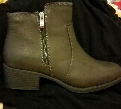 119feb48cad2e BNWOT - Evans Womens Extra Wide Fit Grey Low Heeled Ankle Boots - Size 7EEE