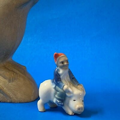 Vintage Rare Wade Whimsie Leprechaun Riding on a Pig, 4cm Tall, Made in Ireland