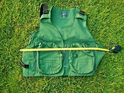 Daiwa Light Float Fishing Game Vest Green Camo DF-6406 Free Size from Japan*