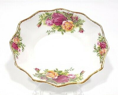 1962 Royal Albert Old Country Roses Scalloped Nut Candy Dish