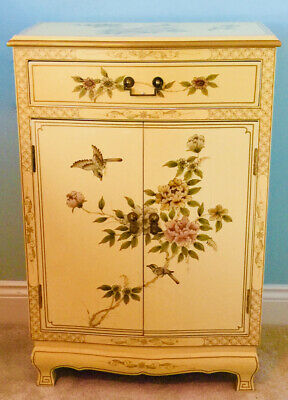 Stunning Chinese Oriental Style Lacquer Cabinet Beautiful Rare Light Colour