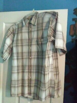 Tshirt men casual is light brown &white is a short sleeve bottom down shirt size