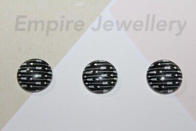 2 x White Arrows on Black 12x12mm Glass Dome Cabochon Bow Arrow