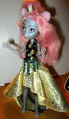 Monster High doll pink hair grey mouse original costume