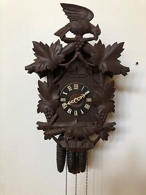 Antique Franz Vosseler German Black Forest Cuckoo Clock circa 1910s.