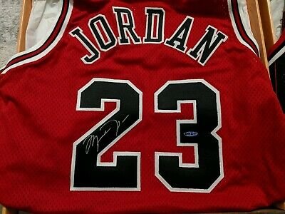 buy popular 1363d e00aa MICHAEL JORDAN AUTOGRAPHED Jersey Chicago Bulls with ...