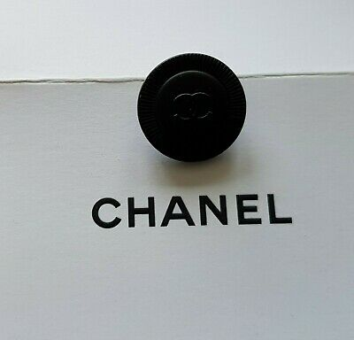 Deux Boutons Chanel 22 mm