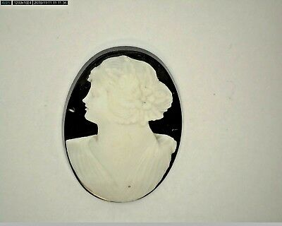 Antique Vintage Large Oval Black & White Cameo Stone 29.5 mm x 23.5 mm  #UT409