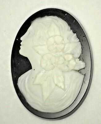 Antique Vintage Large Oval Black & White Cameo Stone 29.5 mm x 23.5 mm  #UT411