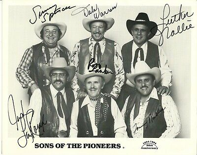 SONS OF THE PIONEERS- AUTOGRAPHED 8X10 Signed Photo / Country Music Picture 1984