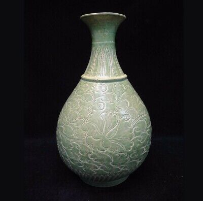"""Very Large Old Chinese """"LongQuan"""" Kiln Hand Carving Green Glaze Porcelain Vase"""