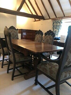 Lovely vintage large extending oak dining room table 6-8 seater