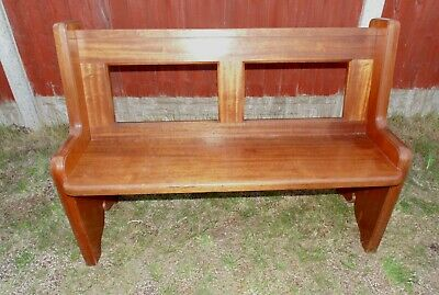 (#85)   church style  pew bench seat  excellent condition   (Pick up only)