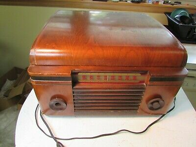 Antique RCA Victor Victrola Record Player Model 55U Tube Radio Combo - WORKS