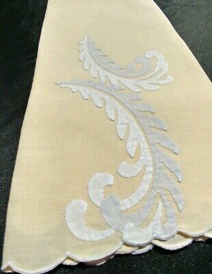"""Vintage Madeira Linen Hand Towel Embroidered Applique Plumes 19""""×13"""" (#44)"""