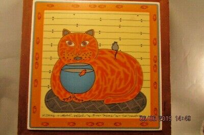 Vintage TAYLOR & NG '82 KITTY KATFISH CAT TRIVET HOT PLATE TILE Wood Frame