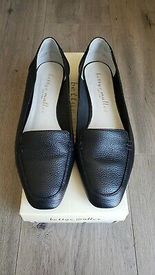 **INCLUDE $50 SEPHORA GIFT CARD** BETTYE MULLER Women's Black Leather Shoes