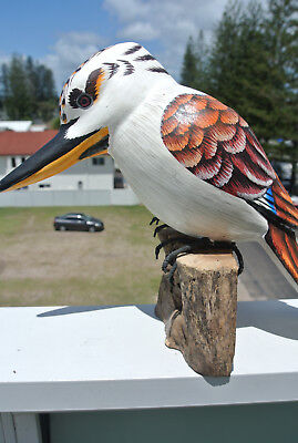 KOOKABURRA hand made & painted carved wood on base 21 cm high statue BIRD