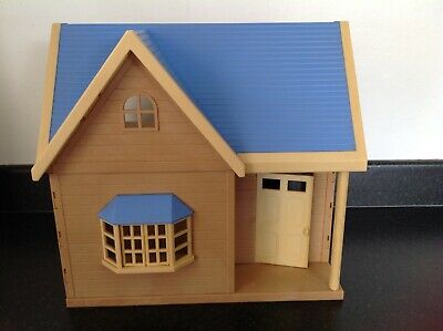 Small Sylvanian House With Blue Roof - Ideal Starter Home