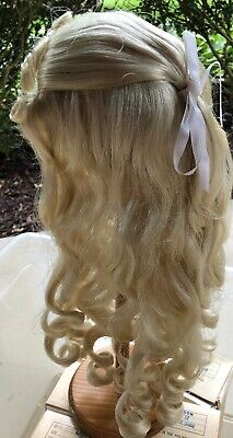 New DOLL WIG Style HOLLY Size 15-16 Color Lt Blonde Modacrylic Global Doll NOS