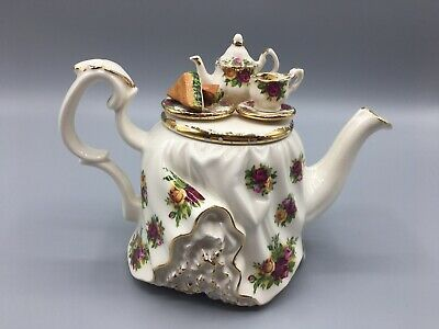 Royal Albert-Old Country Roses-Miniature Teapot-Collectable-RARE