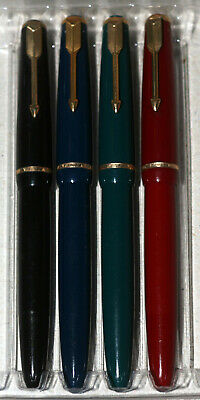 4 Vintage PARKER Duofold Junior Fountain Pens with No.10 Gold nibs