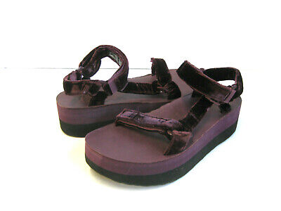 8e80495ef7 Teva Flatform Universal Velvet Women Sandals Fig Us 6 /Uk 4 / Eu 37 /