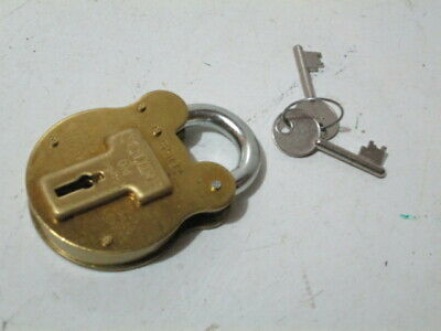 Medium Reproduction Antique Old English Squire Padlock in Brass model number 550