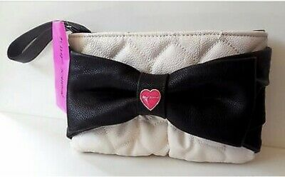 Betsey Johnson Large Bow Quilted Cream Black Wristlet BB16505