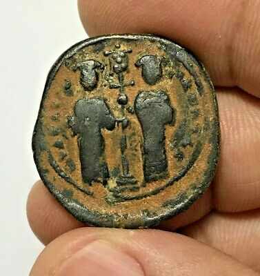 ANCIENT BYZANTINE BRONZE COIN ANONYMUS FOLLIS CHRISTIAN ROMANUS 7.6gr 30.1mm