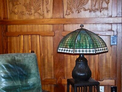 Handel Large Diamond boarder table lamp, mission arts and crafts