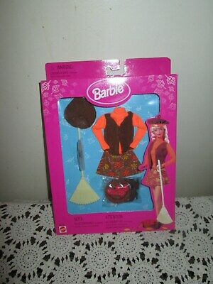 Vintage Barbie 1998 Mattel Changing Seasons Dress & Play Nip