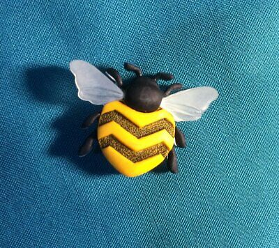 Cute REALISTIC Honey BEE Real Looking Bumble BEE  Holey Clog Shoe Charm Charms