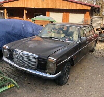 Oldtimer Mercedes-Benz strich 8 Langversion 1974