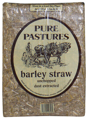 Pure Pastures Meadow Straw 2x2kg Small Animal Bedding Damaged 4.5KG BBE 11/18