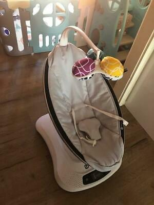 4moms MamaRoo Infant Bouncing Seat in good condition