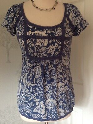 M&S Marks & Spencer Ladies Gorgeous, Blue & White Lightweight Top Woman's Size 8