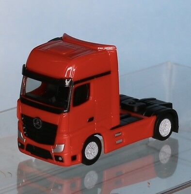 Herpa 066471 .1 , Spur N, MB Actros ´11 Solo Zugmaschine, rot