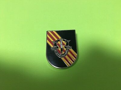 US ARMY SPECIAL FORCES HAT PIN measures 1 3/16 inches tall