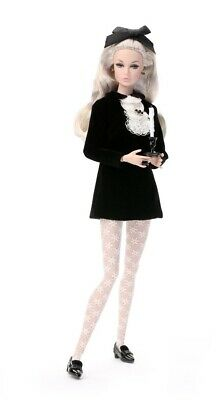 NRFB WELCOME TO MISTY HOLLOWS POPPY PARKER INTEGRITY TOYS Doll SWINGING LONDON