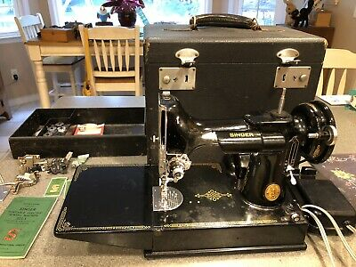Portable Singer 221-1 Featherweight Electric Sewing Machine w/case 1952